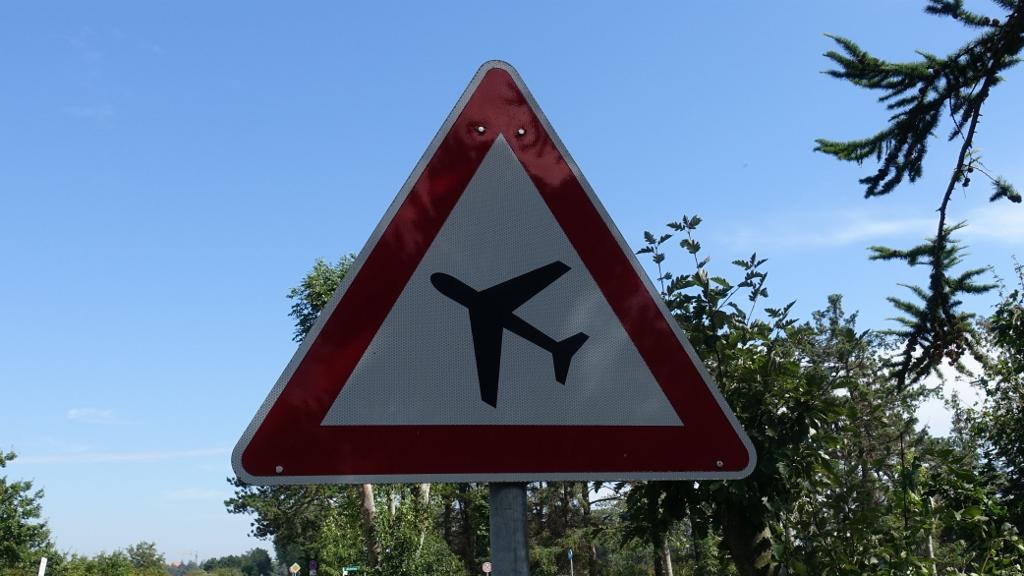 Schildersonntag #20 –Flugbetrieb